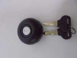 FUEL TANK CAP MAHINDRA MM-540 W/KEY (LAL)
